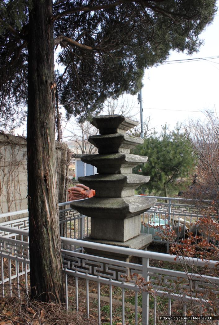 Five storied stone pagoda - Gongseri3
