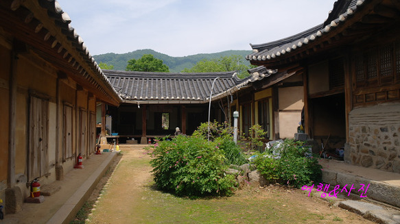 Ijuguk Ganggun Gotaek - Historic House of the general3