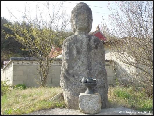 Standing Buddha of Mokssilli3