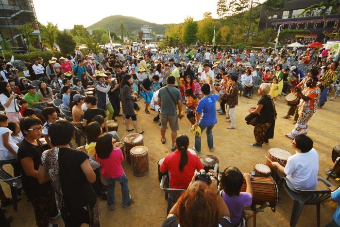 坡州ヘイリ「パンフェスティバル」