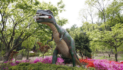 徳坪恐竜樹木園3