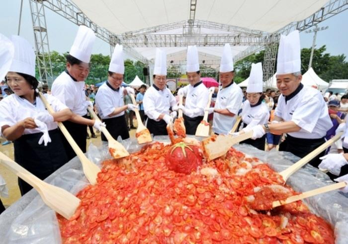 退村トマト祭り