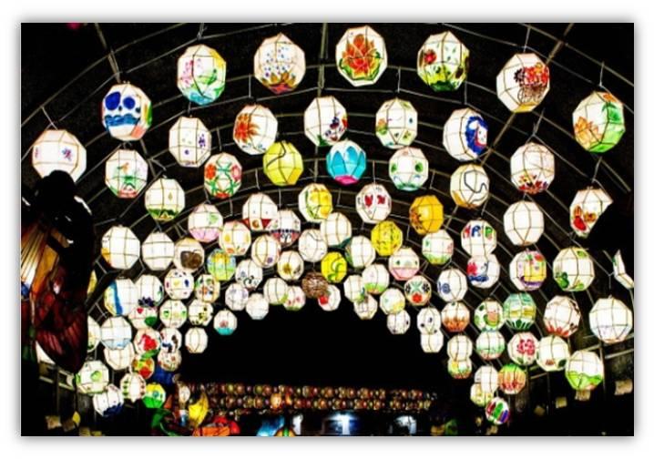 海印寺莲灯节 (4.22 ~ 5.13)